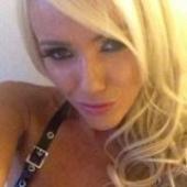 Blondje uit Woensdrecht is dol op pijn en vernedering